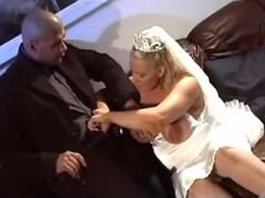 Blonde pregnant bride sucks cock after wedding