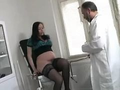 Older doctor licks pregnant cutie in stockings