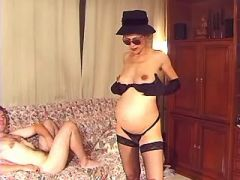 Guy fucking depraved pregnant lady in stockings