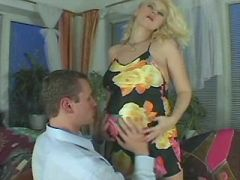Beautiful pregnant blonde spoils guy and licked
