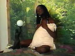 Black pregnant chick seduces guy and sucks cock