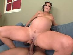 Pregnant milf gets cumload in mouth from black guy