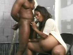 Black pregnant chick gets cumload after crazy fuck